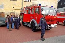 Hasiči z Velichova dostali  hasičské vozidlo z Německa