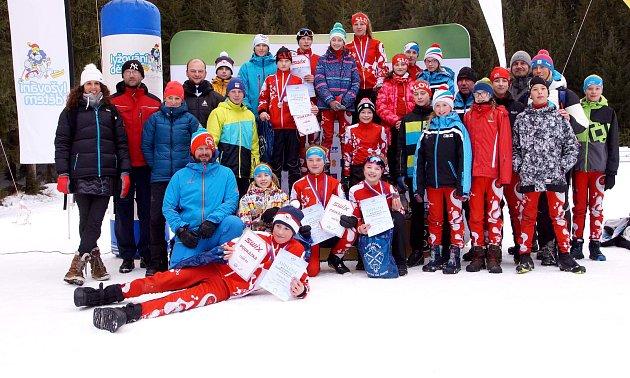 LK Slovan Karlovy Vary, oddíl běžeckého lyžování zažívá parádní sezonu. To potvrdil ina třídenních závodech vrámci mistrovství České republiky žactva vHarrachově.