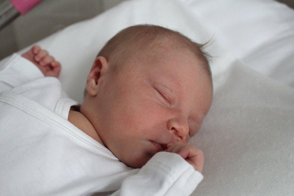 EMILY KUBÍČKOVÁ z Karlových Varů se narodila 7. 3. 2017