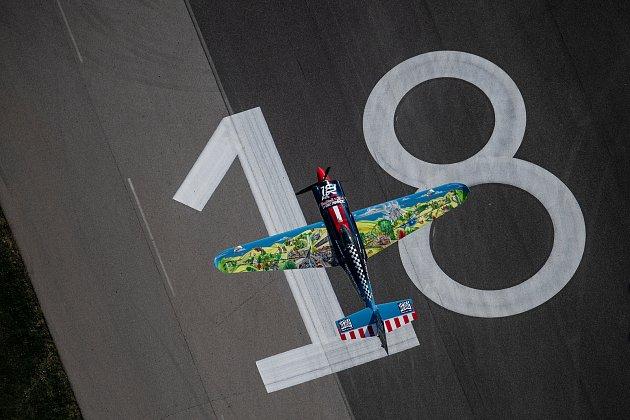 PETR KOPFSTEIN vyšel poprvé vletošní sezoně Red Bull Air Race bodově naprázdno, skončil na 13.m
