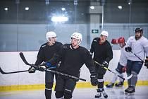 První trénink hokejistů Energie Karlovy Vary na ledě
