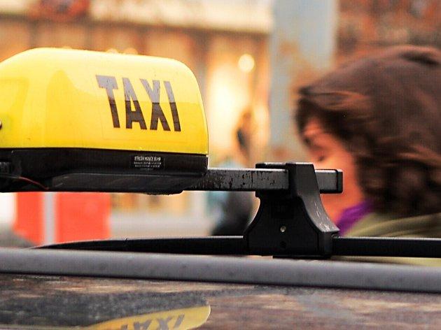 Dohoda mezi karlovarským magistrátem a taxikáři je hotova.