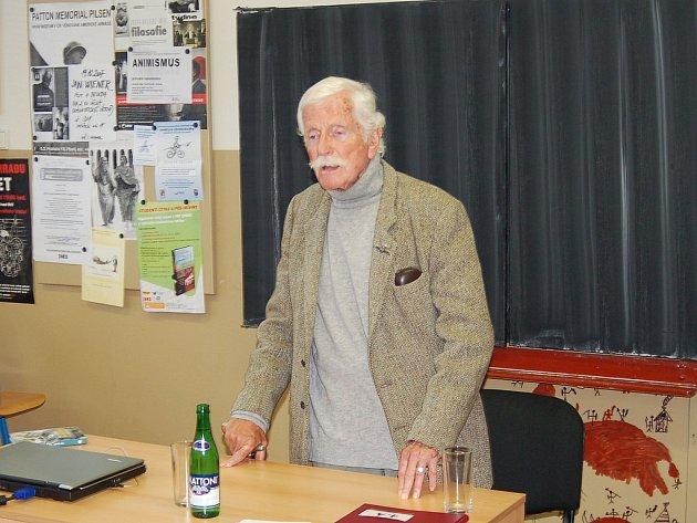Jan Wiener se podělil o své zkušenosti z války.