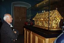 Od znovuobjevení relikviáře uplyne 5. listopadu právě 35 let. V Bečově se před 15 lety potkali oba hlavní aktéři celého příběhu - hledač pokladů Danny Douglas (na snímku) a kriminalista František Maryška.