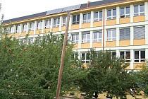 Budova karlovarského gymnázia.