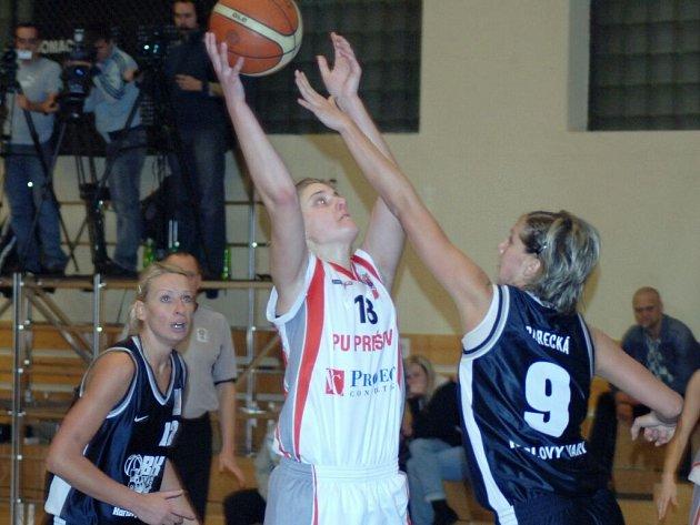 Final Four CEWL. Boj o třetí místo: Karlovy Vary – Prešov.