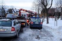 Božímu Daru na Karlovarsku došla trpělivost se špatně parkujícími řidiči. Odtahová služba se v těchto dnech nezastaví
