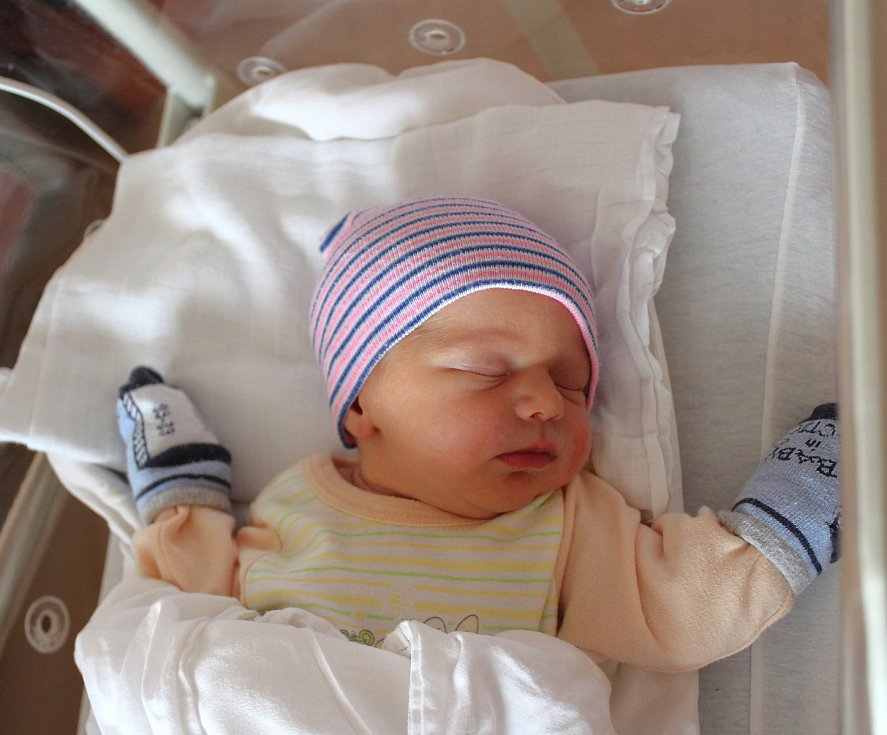Veronika Konvalinová z Teplé u Mariánských Lázní se narodila v plzeňské FN na Lochotíně 14. září ve 12:36 hodin. Rodiče Veronika a Miloš věděli předem, že Vojtíškovi (3) a Filípkovi (6) domů přivezou sestřičku.