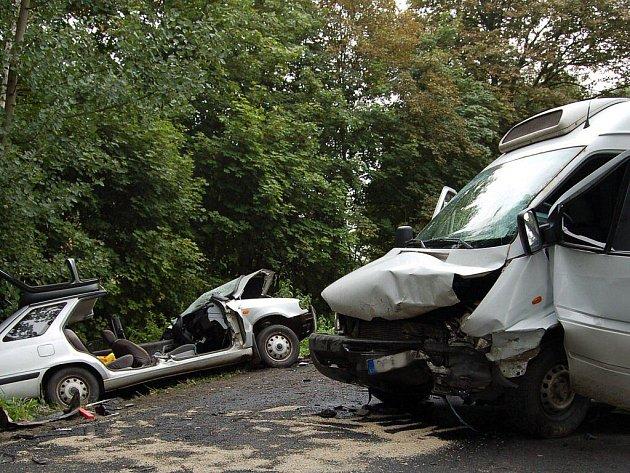Tragická dopravní nehoda se stala v pátek 5. srpna mezi Toužimí a Žluticemi na Karlovarsku