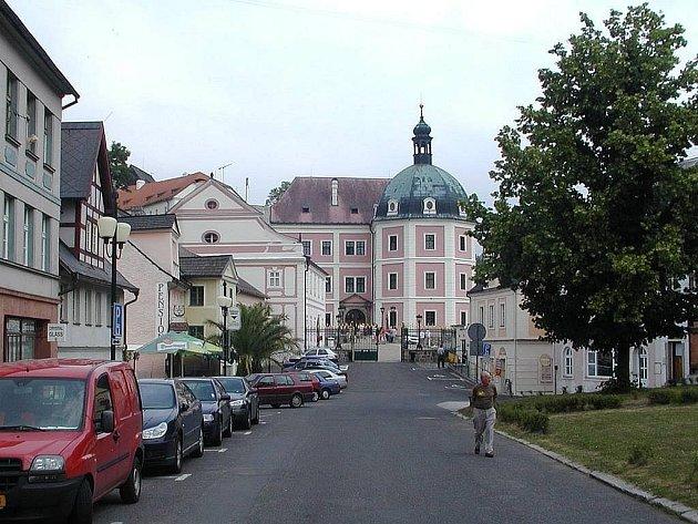 Historické město Bečov nad Teplou si letos připomene už 610. výročí svého založení.