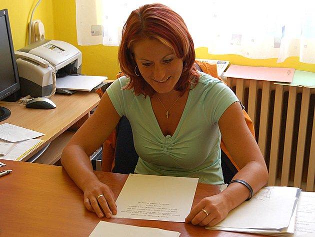Současná ředitelka Martina Dzianová zjistila nesrovnalosti v docházce postižených dětí.