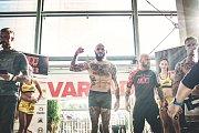 Vážení před Fight Night West 4 v OC Varyáda v Karlových Varech