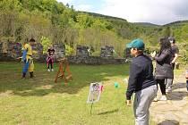 Lidé využili první velké příležitosti a vyrazili se pobavit na Horní hrad.