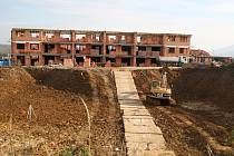 Soud rozhodl, že čtyři sedmipodlažní bytové jednotky do Jenišova nepatří.