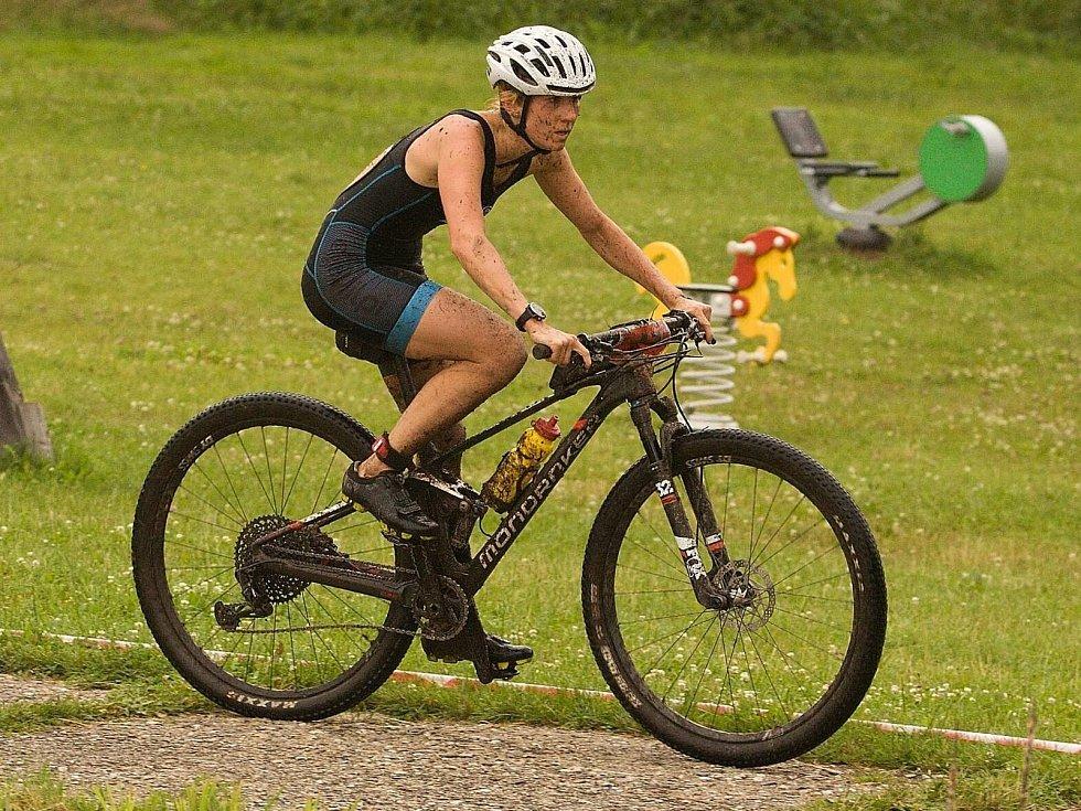Nejdecká triatlonistka dominovala v závodě v terénním triatlonu XTERRA, ve kterém si zajistila účast na mistrovství světa.
