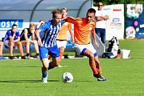 Fotbalisté Ostrova dosáhli na první divizní body, když na svém hřišti porazili celek Slaného 2:1.