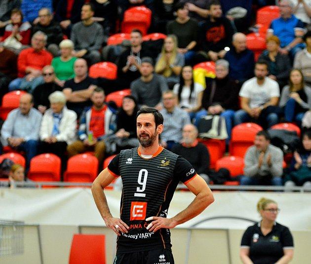 SKarlovarskem slavil již druhý mistrovský titul UNIQA extraligy. Čerstvý čtyřicátník Ondřej Hudeček však ten druhý slavil již vnové roli, manažera klubu.
