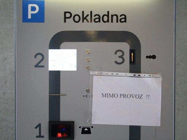 První den placení byl automat mimo provoz.