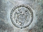 Kostel svatého Jakuba Většího a zvon jáchymovského zvonaře.