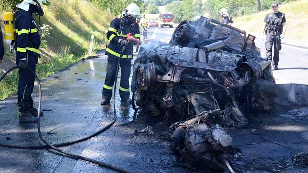 Tragická nehoda u Andělské Hory si vybrala nejvyšší daň. Tři lidské životy.