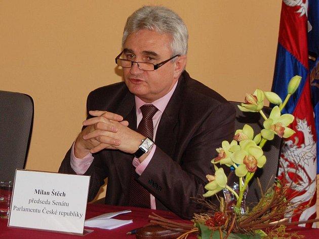 Předseda senátu Milan Štěch v Karlových Varech.