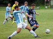 Zodpovědný výkon hráčů Rotasu Rotava (v bílo-modrém) slavil úspěch. V Aši vyhráli 5:2.