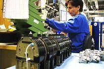 ZAMĚSTNANCE HLEDAJÍ především podniky zabývající se průmyslovou výrobou.