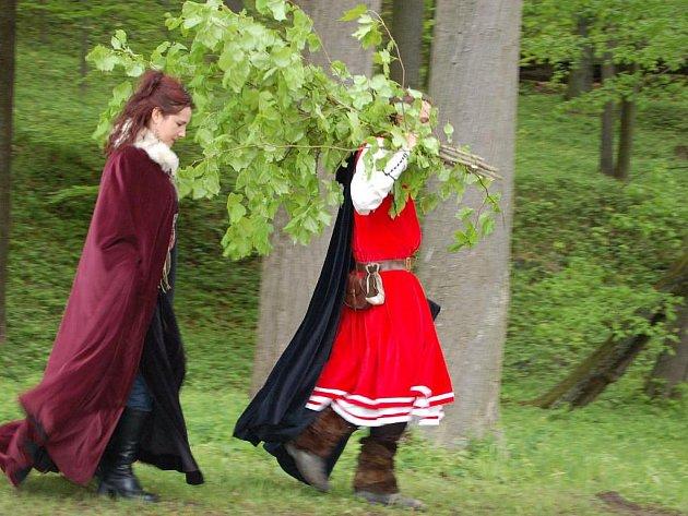 Tradiční Slavností květů ve Valči na Karlovarsku