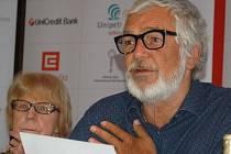 Nadace Mezinárodního filmového festivalu, jehož duší je Jiří Bartoška, bude mít možná nového člena.