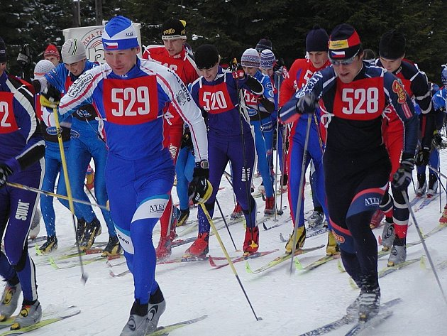 MEDAILISTÉ světových soutěží Lukáš Bauer (529) a Milan Šperl (528), pokud mohou, nevynechají jedinou příležitost startovat v regionálních závodech na Karlovarsku.