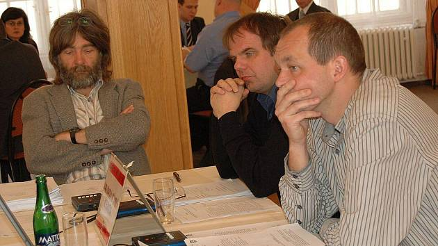 Vlastimil Lepík, Pavel Žemlička a Petr Kulhánek, zastupitelé za Karlovarskou občanskou alternativu.