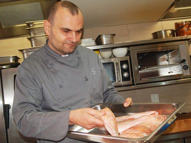 Mistr kuchař Jan Krajč z karlovarského restaurace Le Marché.