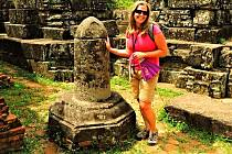 FALICKÉ symboly jsou k vidění i v Jižní Americe. Tento se nachází v chrámovém komplexu My Son u města Nghe Tinh.