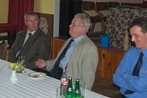 Na otázky přítomných odpovídal Miloš Zeman vždy s rozvahou a s úsměvem ve tváři.