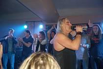 Kapela Coda pokřtila v restauraci Meteor své koncertní DVD k 25 letům hraní.