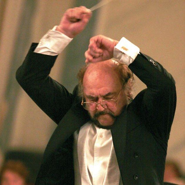 Jiří Stárek, šéfdirigent Karlovarského symfonického orchestru