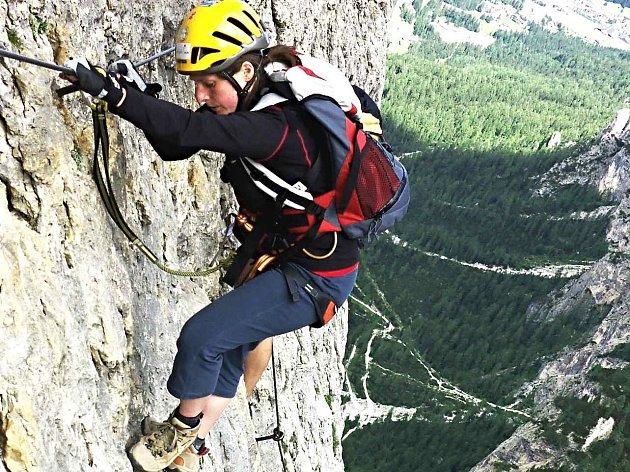 Za adrenalinovými zážitky ve skalních masivech Dolomit vyjíždí do Itálie čím dál více Čechů.