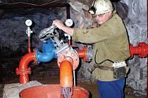 Zemětřesení radonu nevadí. Radonem prosycená jáchymovská voda, respektive její prameny vyvěrající v hlubině, zemětřesením neutrpěla.