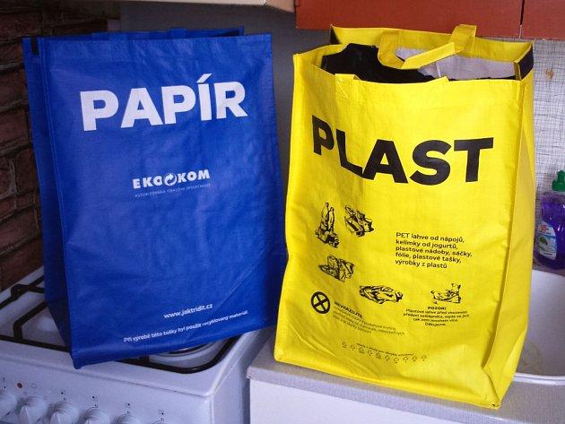 Speciální tašky určené na třídění odpadu.