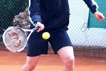 Kolem prodeje tenisového areálu Gejzírpark je rušno.