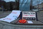 Karlovy Vary jsou zřejmě jediným městem, kde byly v neděli večer zapáleny svíčky za všechny obyvatele České republiky, kteří zemřeli v důsledku covidu-19.