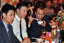 NOVÝ DOMOV našly v Karlovarském kraji především stovky Vietnamců. Mnozí z nich tady žijí už řadu let.