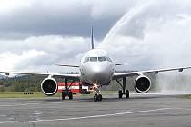 LETY BEZ KOMPLIKACÍ. Karlovarské letiště své pravidelné lety kvůli vichřici rušit nemuselo. (Ilustrační foto.)