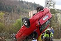Nehoda v Karlových Varech, která se stala v úterý 12. dubna