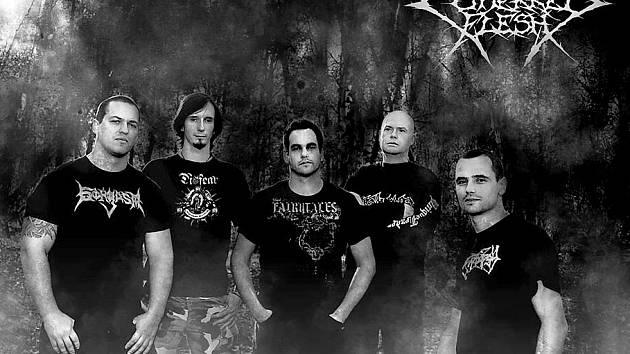 Karlovarští Cutterred Flesh v současnosti vystupují ve složení Miroslav Frček bicí, Vitalij Novak kytara, Stanislav Malý zpěv, David Krombholz kytara a Zdeněk Hnízdil basová kytara.
