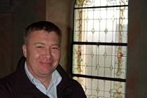 Vitráž v kostele v Radošově