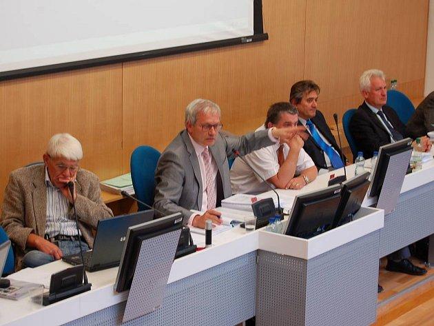 Momentky z krajského zastupitelstva 18. září 2008.