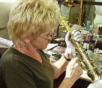 MEZI ÚSPĚŠNÉ žadatele patří například výrobce hudebních nástrojů z Kraslic.