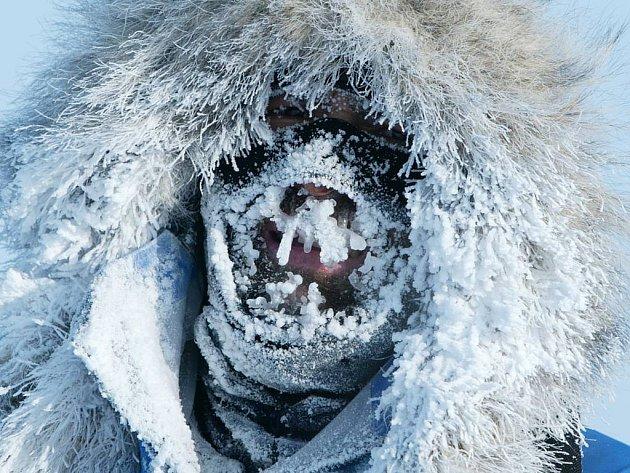 V kraji věčného sněhu a ledu. Jihoafričan Mike Horn při svých nesčetných dobrodružných výpravách pokořil i severní pól.