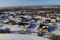 Výstavba nových rodinných domů je mohutná a pokračovat bude několik let. Foto: archiv obce Hory